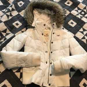 White Hollister puffer jacket